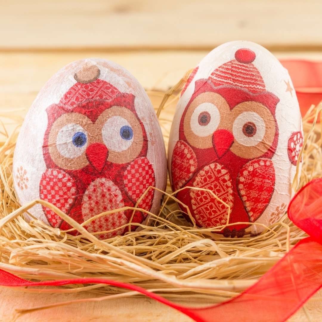 Owls on an Egg Decor