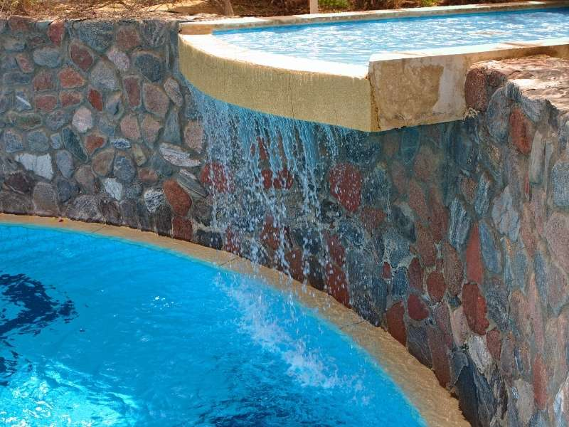 Wet & Wild Waterfalls For Your Pool - Modern Falls