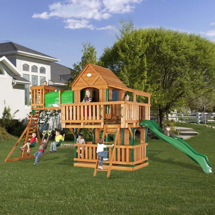 Pretty fun play scapes dig this design for Wooden jungle gym plans