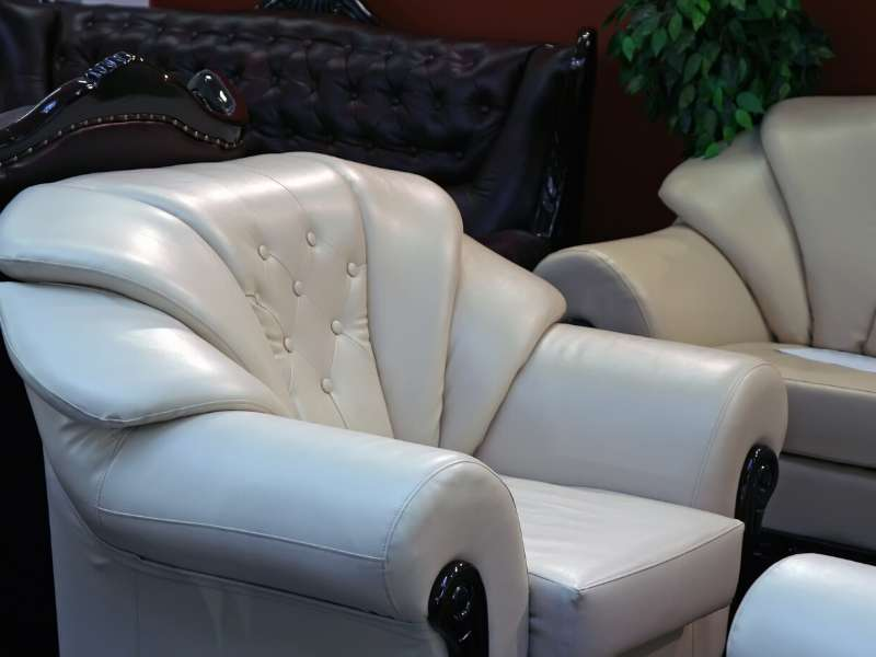 Finding The Right Nob Hill Accent Chair