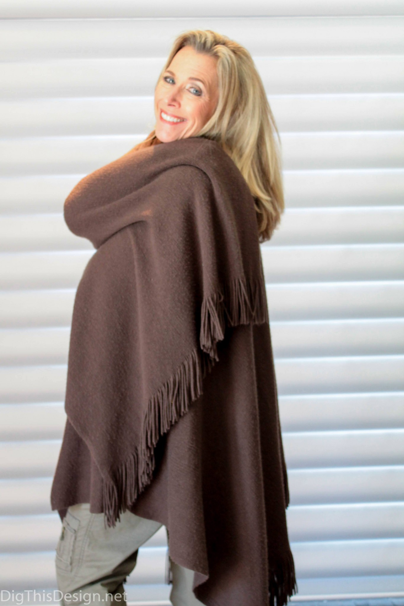 woman wearing brown casual shawl