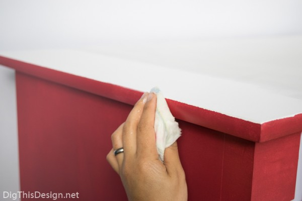 How to paint the edge of furniture without painter's tape. DIY how to paint laminate furniture.