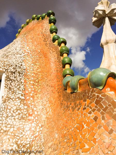 Exterior roof tiles on the Casa Batlló.