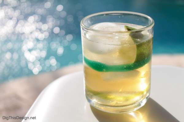 St. Patrick's day drink recipe with Irish Whiskey, ginger ale, and lime.
