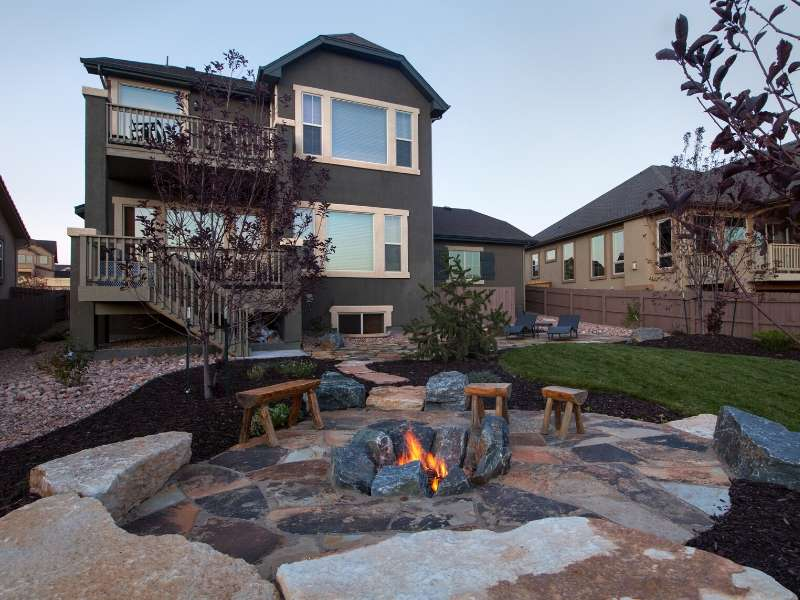 Fall Outdoor Entertaining Around a Fire Pit