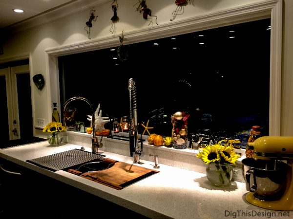 Fall Decorating - Decorating your windowsill for fall.