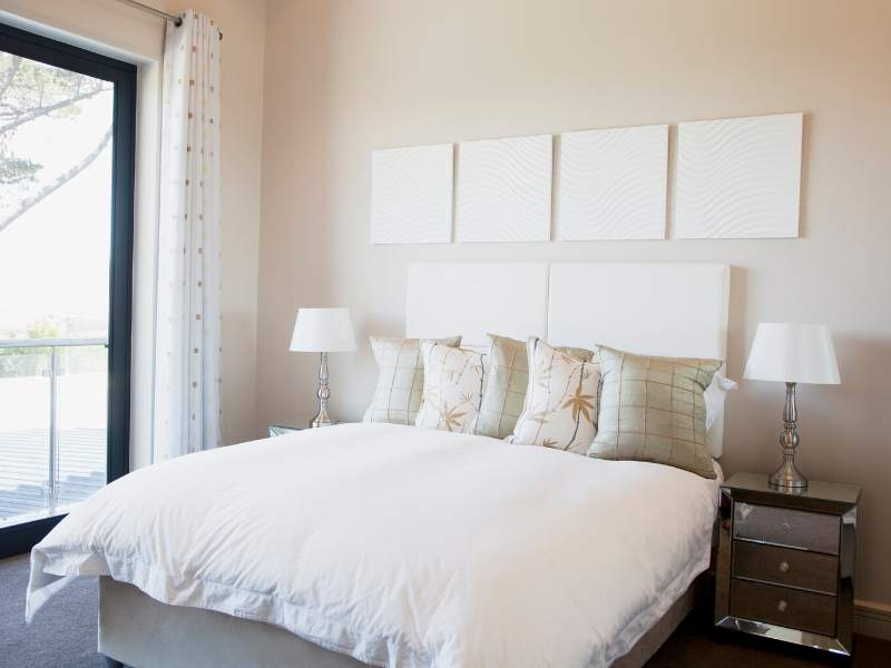 Makeover Tips for a Minimalist Bedroom
