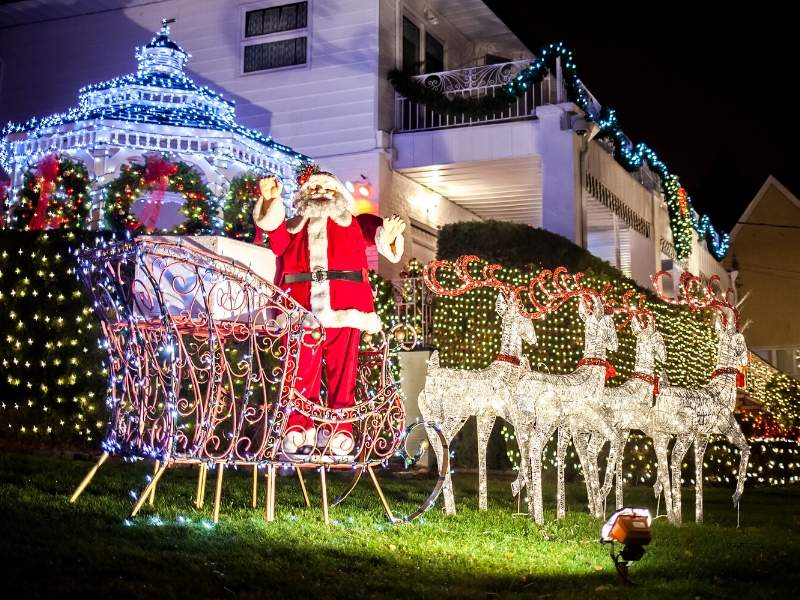 Exterior Holiday Decoration