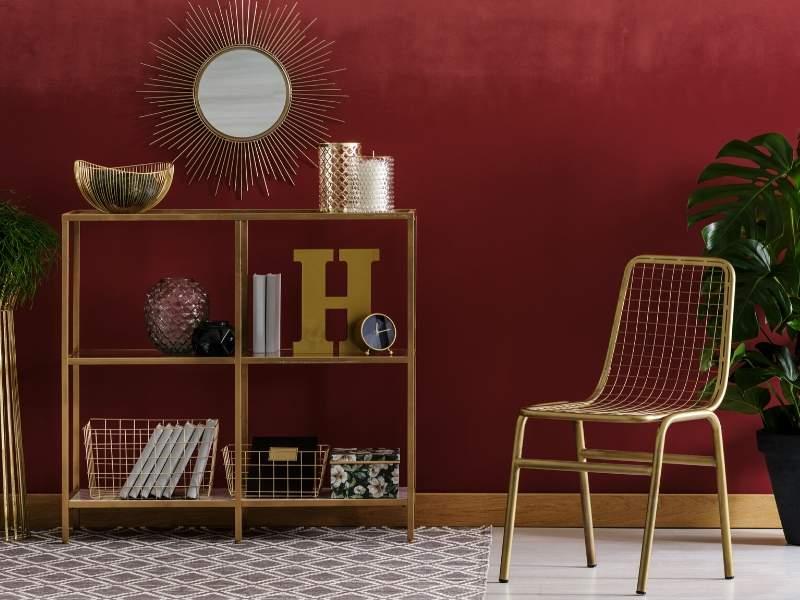 Cinnamon red wall
