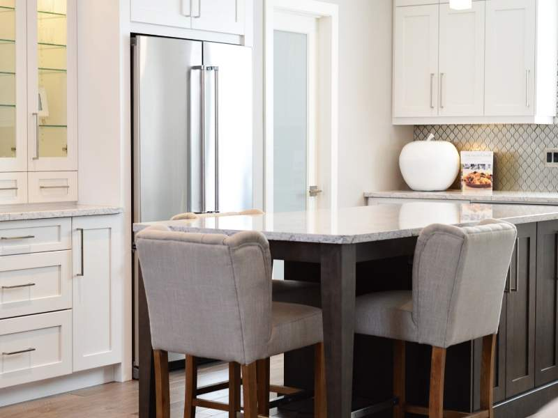 Kitchen design with marble counterss