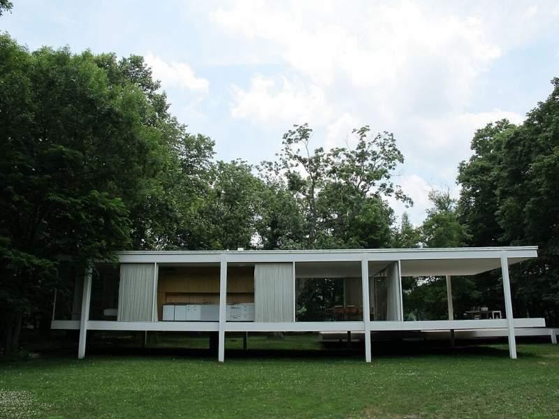 The mid-century modern Farnsworth House