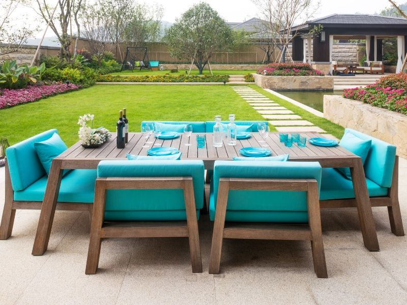 Entertainment Garden with Aqua Furniture