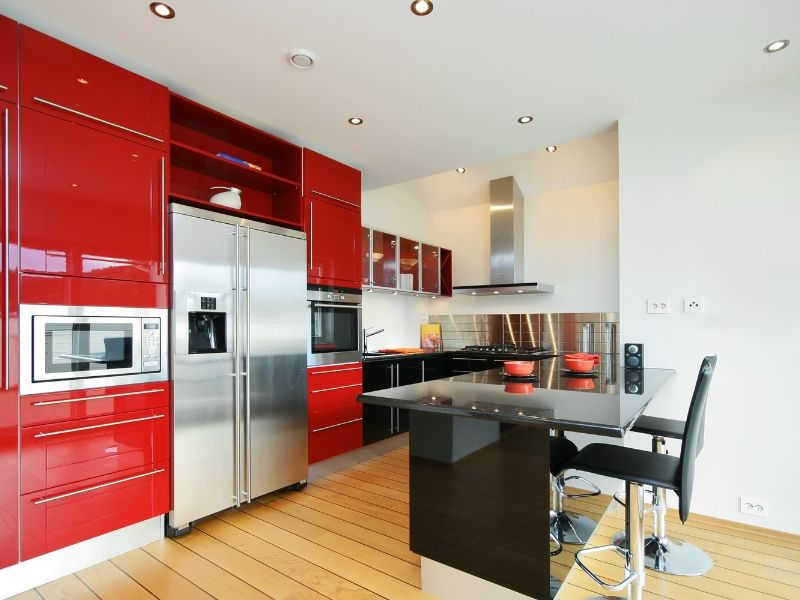 Snappy Color Kitchen Combos Red and White