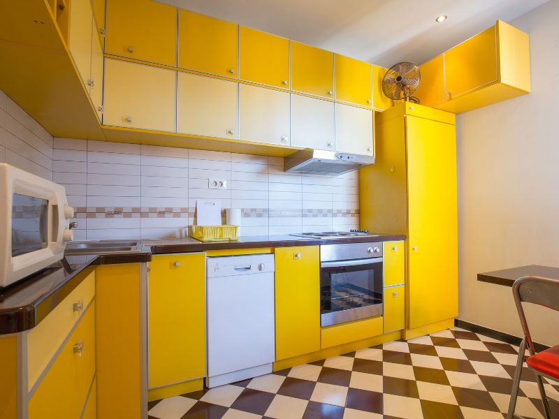 Snappy Color Kitchen Combos White and Yellow and Black
