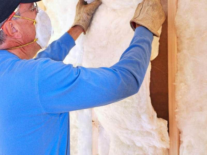 Fiberglass batt home insulation