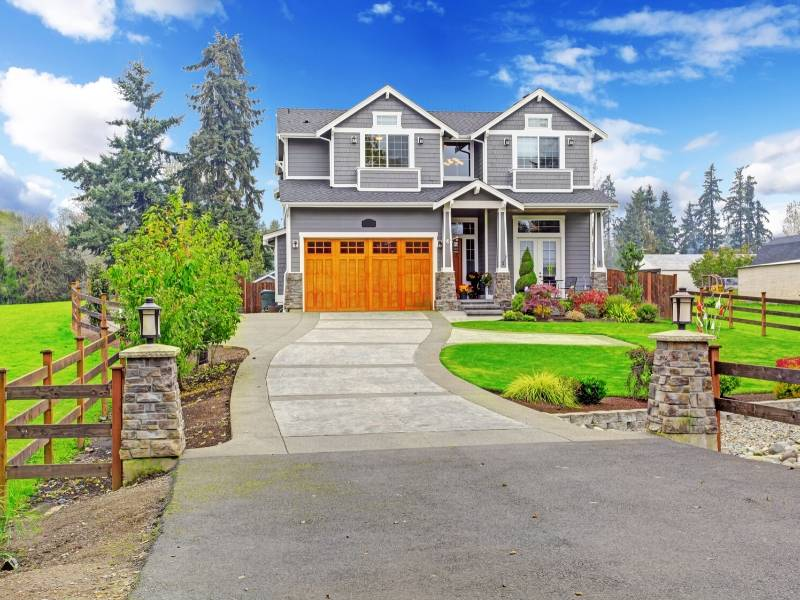 Curb appeal to sell your home
