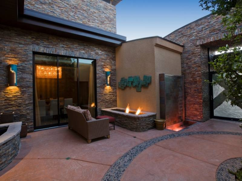 Patio Decorating Ideas with Great Lighting