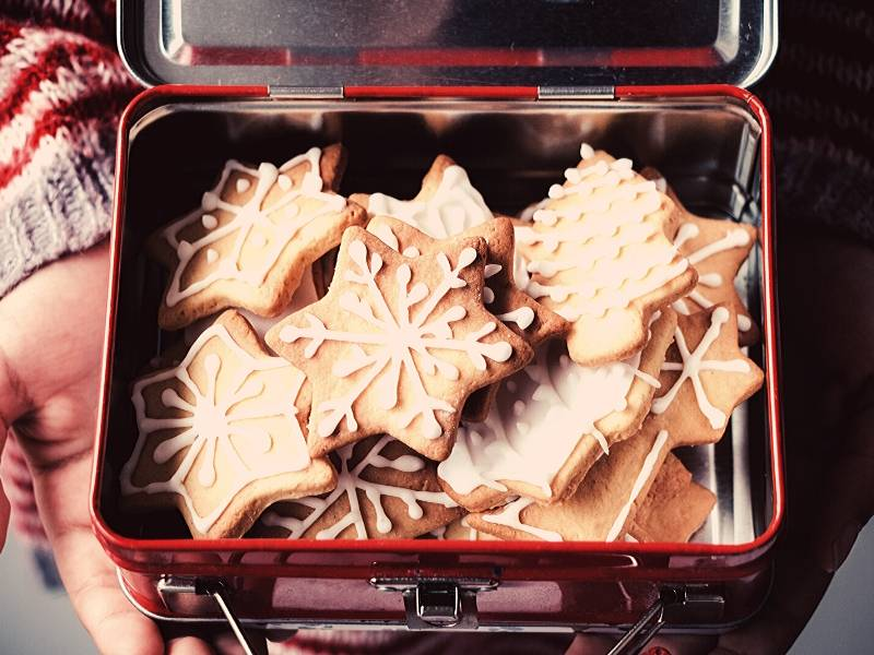 Lunch Box with Christmas Cookies