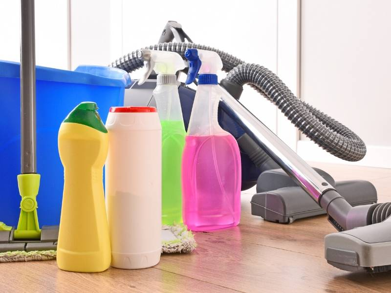 Supplies for deep cleaning your new home