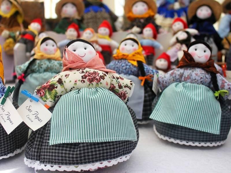 Crafty Homemade Dolls