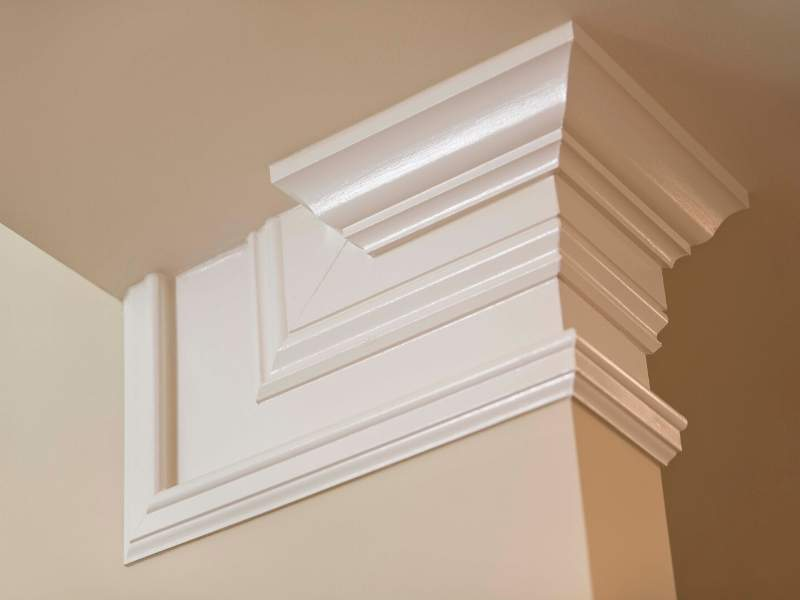 Crown Molding to Design a New Theme