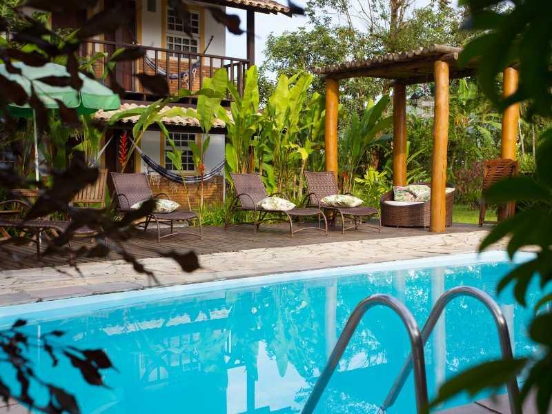 Swimming Pool Luxury Setting