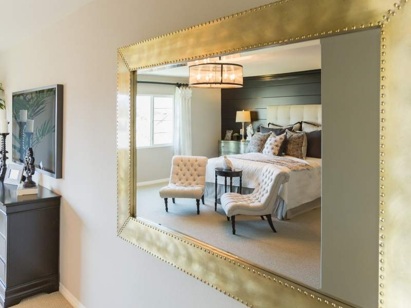 Brighten Up Your Bedroom With Mirrors
