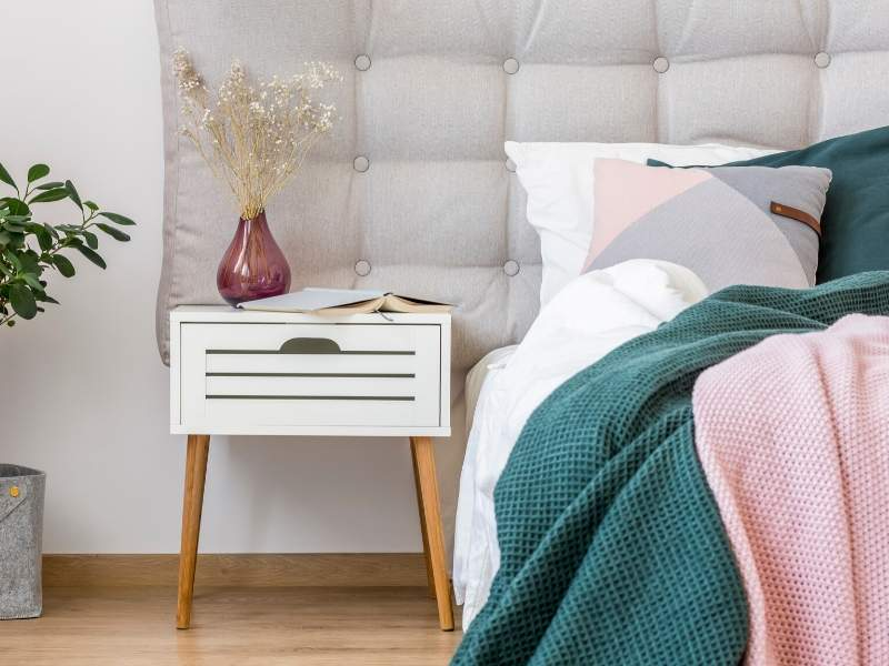 White Nightstand to Brighten Up Your Bedroom