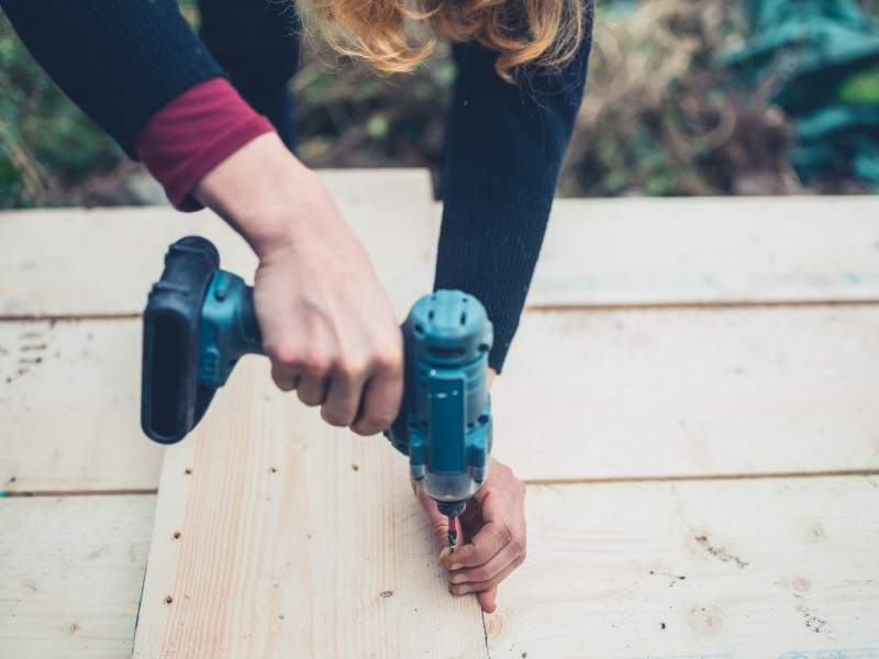 How Do You Choose Either a Hammer Drill or an Impact Drill?