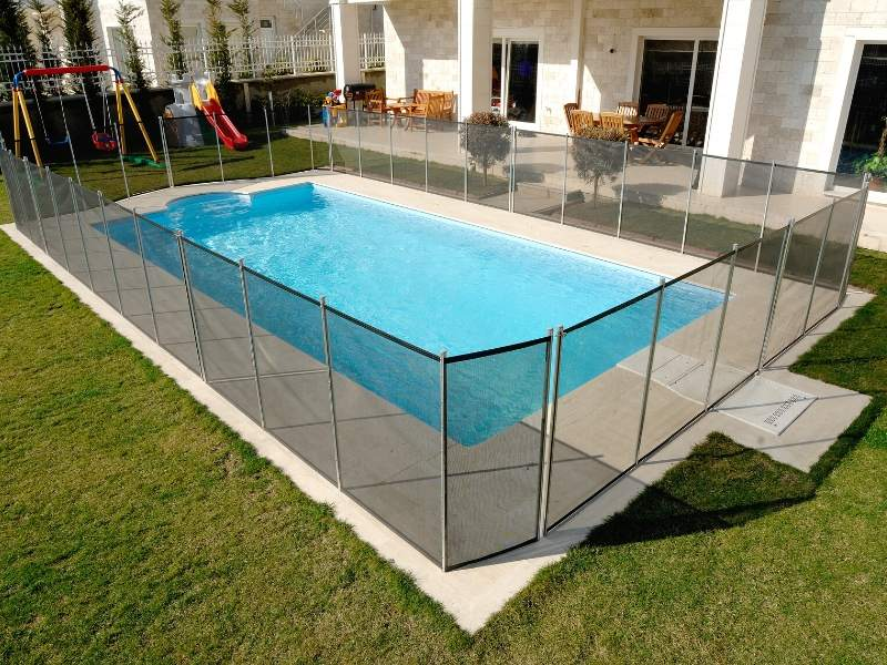 Decorative and Safe Pool Fence