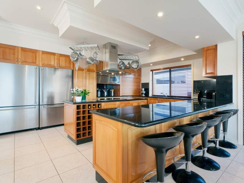 Eat-in Kitchen Island Design with Double Islands