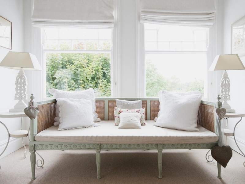 Upcycling chabby chic sofas and furniture