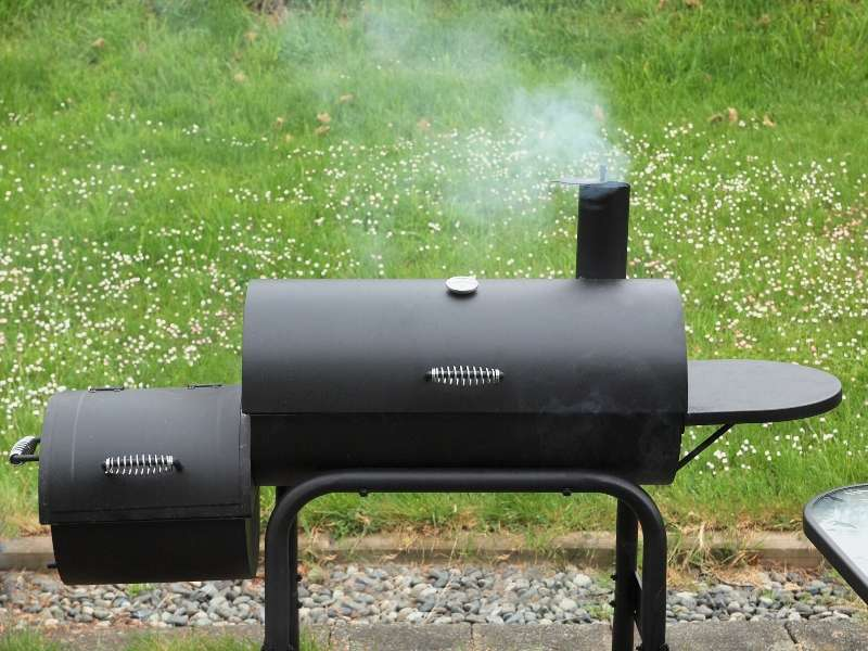 7 Tactics for Buying a Smoker