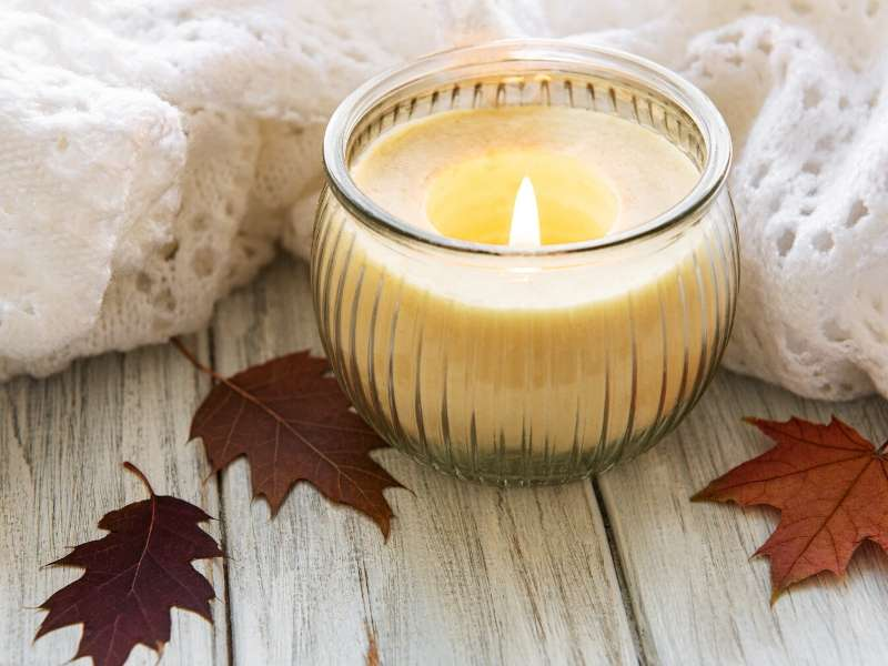 Using Aromatherapy to Evoke a Seasonal Feel