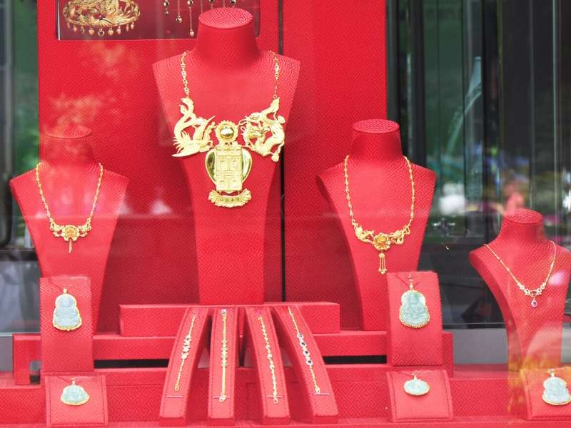 Learn The Secrets of Purchasing Fine Jewelry