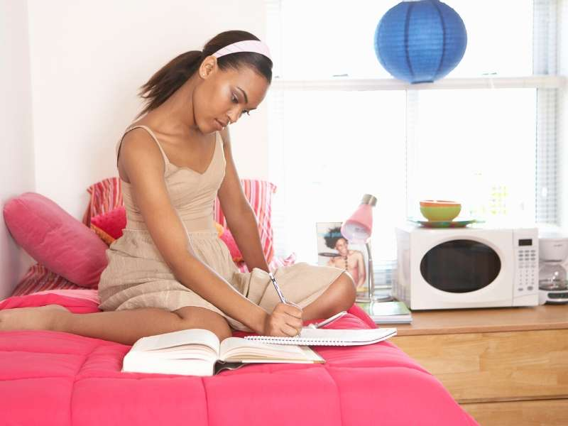 What You Need to Know About Dorm Room Living