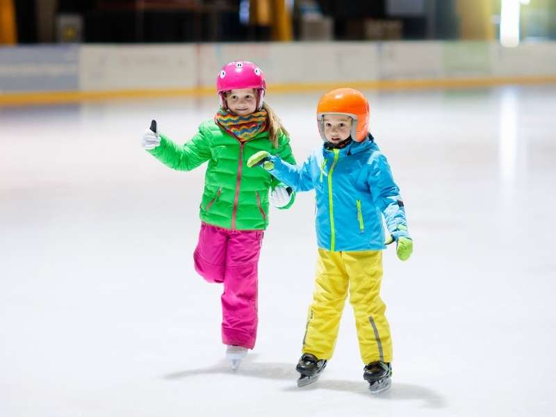 5 Fun Outdoor Activities to Try This Winter - Ice Skating