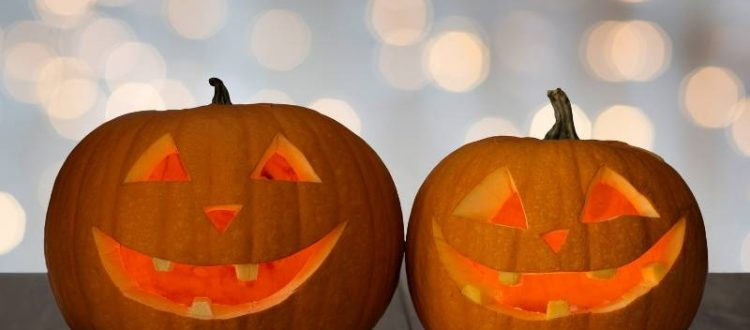 6 Ideas for Easy Entertaining Delights of the Season - pumpkin carving party