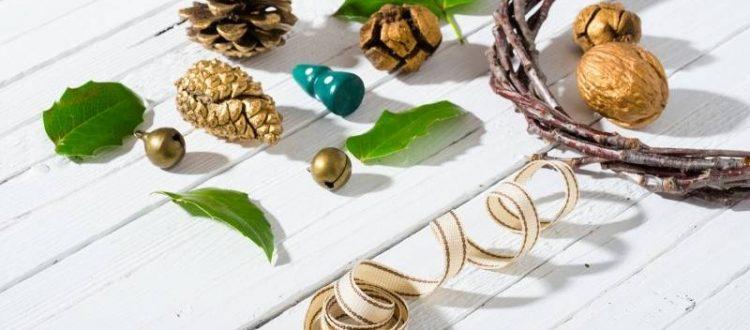 6 Ideas for Easy Entertaining Delights of the Season - make a DIY wreath