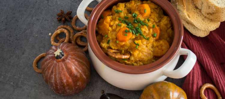 6 Ideas for Easy Entertaining Delights of the Season - Potluck Dinner