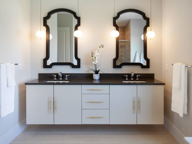 10 Features of Modern Luxury Bathrooms - His and Her Sinks