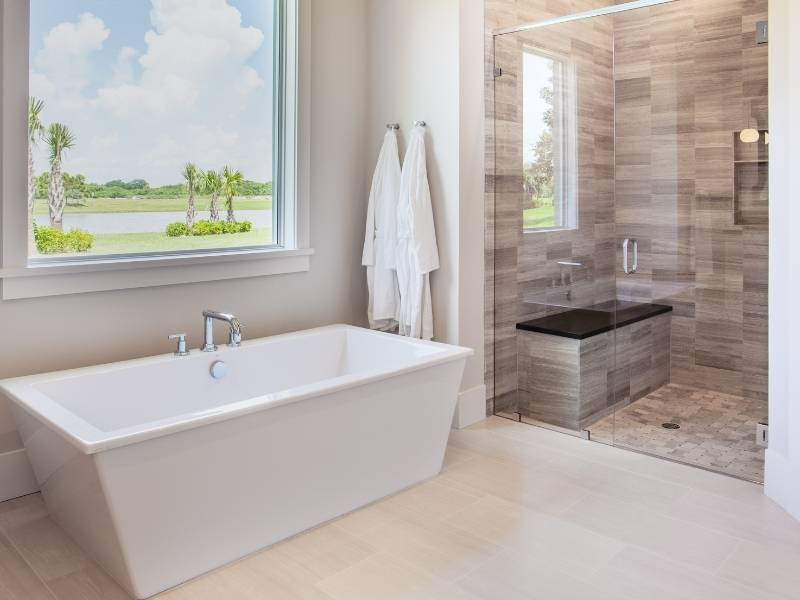 10 Features of Modern Luxury Bathrooms - Walk in Shower