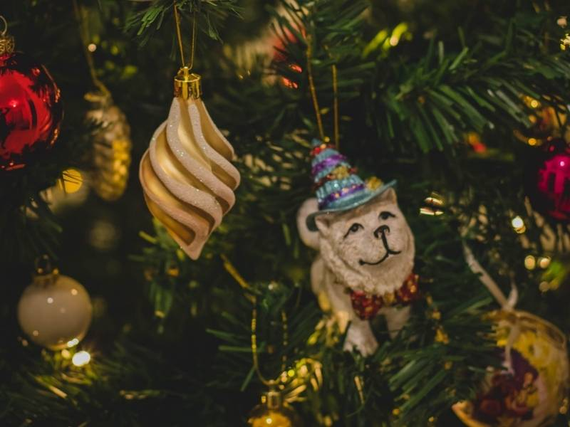 Use Thrift Store or Second-Hand Decorations