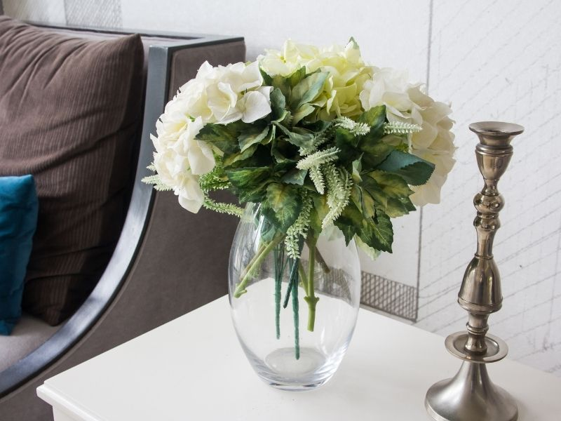 All You Need to Make Your House Look Smart and Expensive - Use Fresh Flowers and Greenery