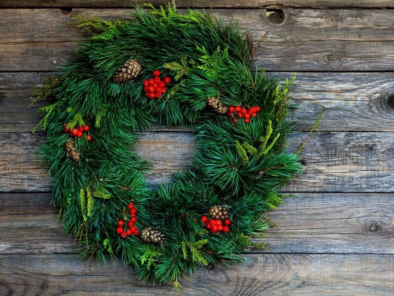 DIY Christmas Party Design Ideas - One of a Kind Wreath