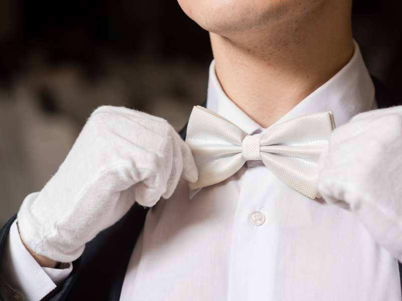 Opt for Black Tie and Gala Dresses for Formal Casinos