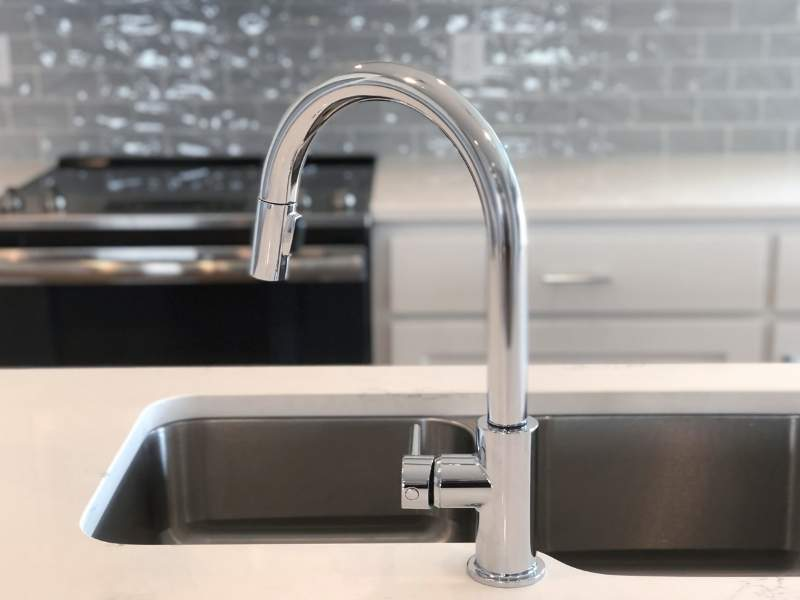 Selecting the Best Kitchen Sink Material for Your Home - Stainless Steel