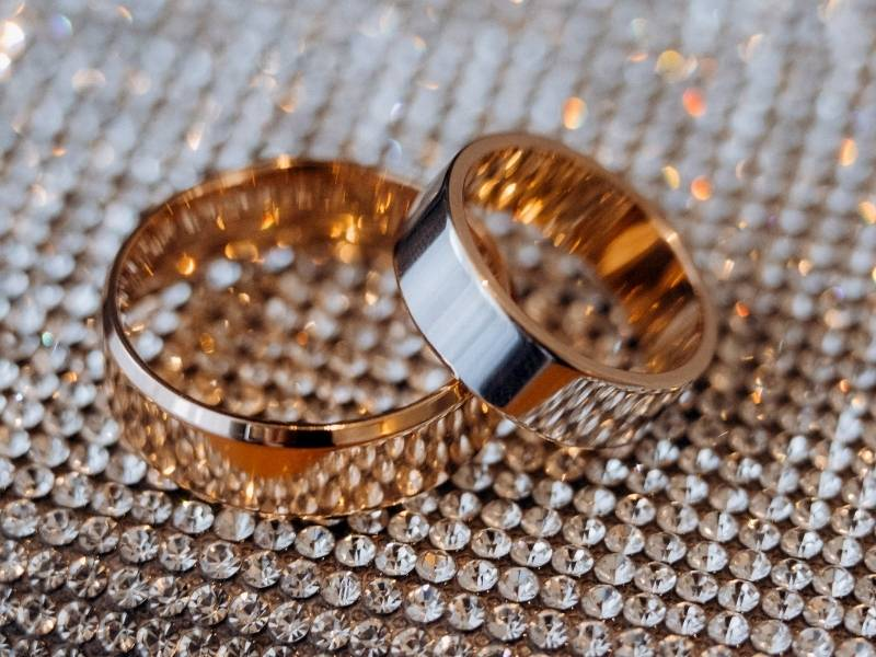 How to Plan for a Post Lockdown Wedding - Shopping for Rings