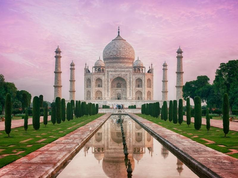 5 of the Most Impressive Structures in the Asia Pacific Region - Taj Mahal