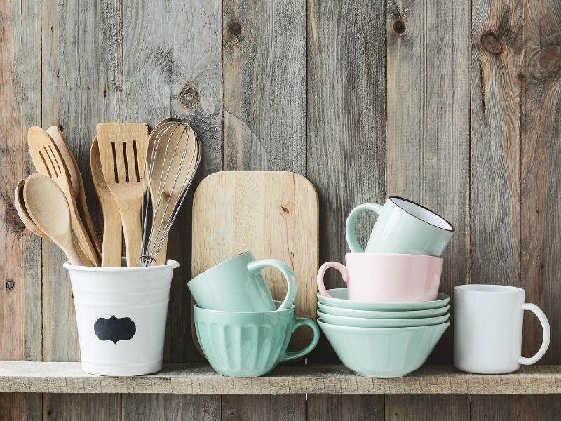 Shabby-Chic Décor Ideas  A Quaint Kitchen